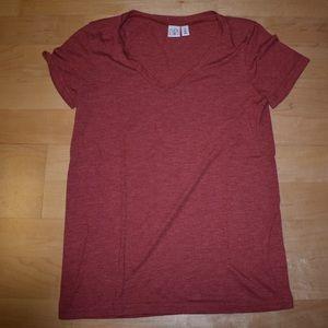 Solid V-neck BP T-shirt